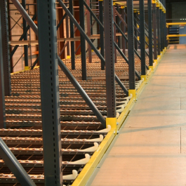 Pallet Flow Into Conveyor as Part of Pick Module