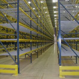Pallet Rack with End of Aisle Guards