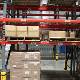 Pallet Storage Rack Bay With Plastic Bumpers