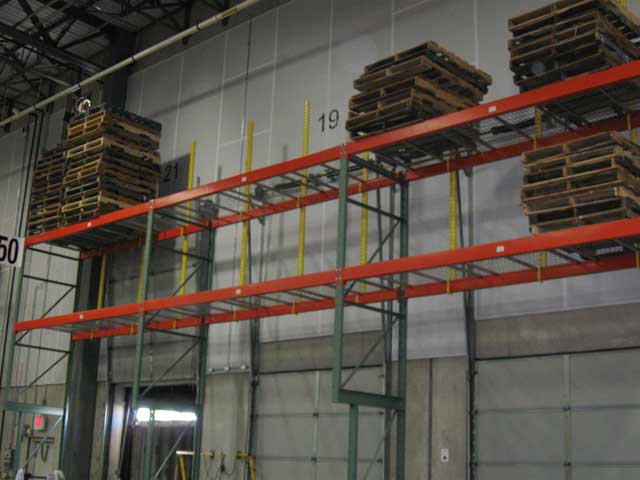 Dock Door Overhead Storage Pallet Rack ... & Pallet Rack and Warehouse Storage Photos from Distribution Centers