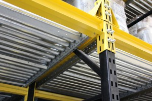 Full Width Wide Roller Pallet Flow Under