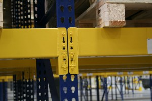 Roll-Formed Beams on Structural Upright – Hybrid Structural Pallet Rack