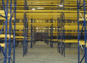 Structural Pallet Rack Walk-Thru Aisle