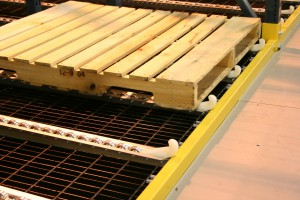 Pallet Flow Lanes With Bar Grating