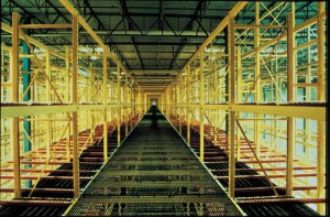 Pallet Flow Rack in Pick Module Center Aisle with Bar Grating